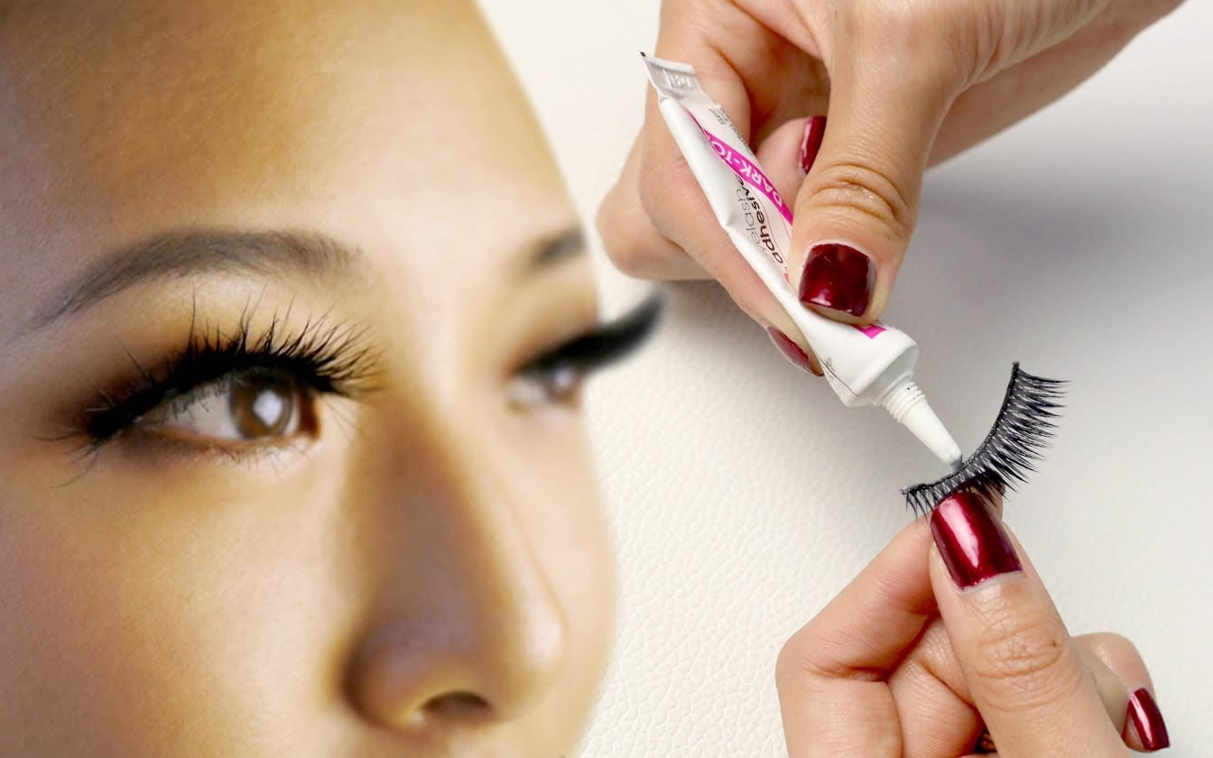 371586edc1a A Guide to Best Eyelash Glue for Sensitive Eyes and Fragile Lashes -  beLASHED