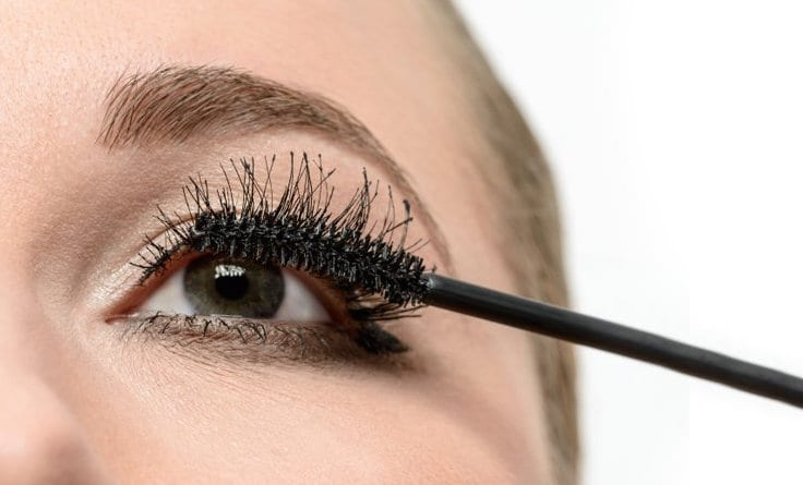 How To Curl Eyelashes Tips And Tricks For The Perfect Curl Every