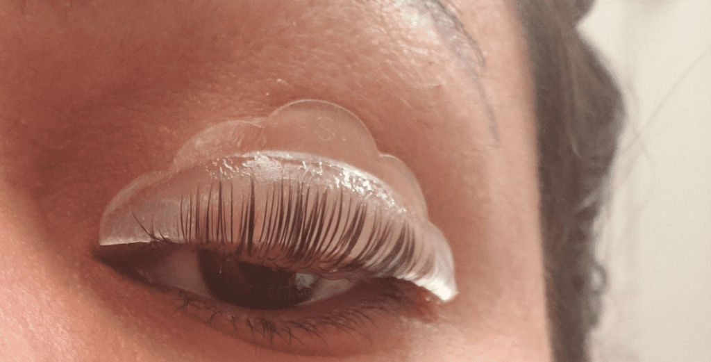 DIY Lash Lift: What's the Best Lash Lift Kit and How to Do a